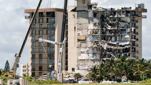 Miami building half-collapsed